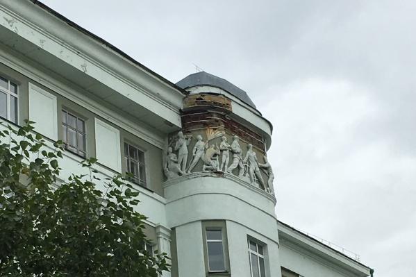Ремонт фасада не производился много лет
