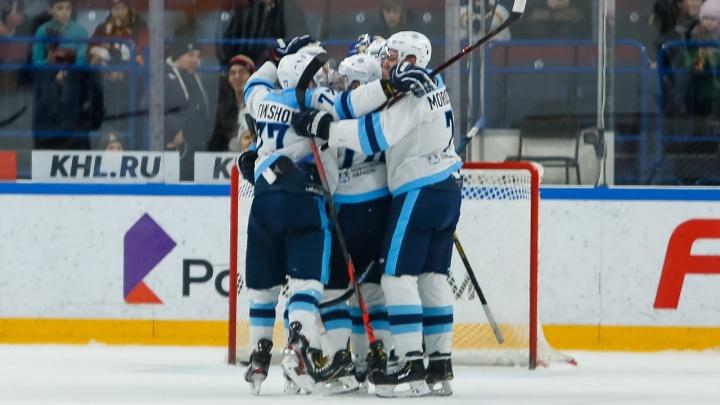 Хоккей: «Сибирь» одержала волевую победу над «Автомобилистом» в овертайме