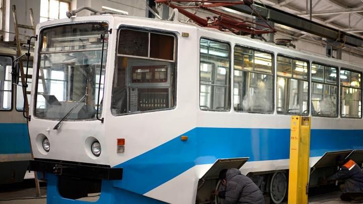 Омский дептранспорта повторно попросил 10 московских трамваев