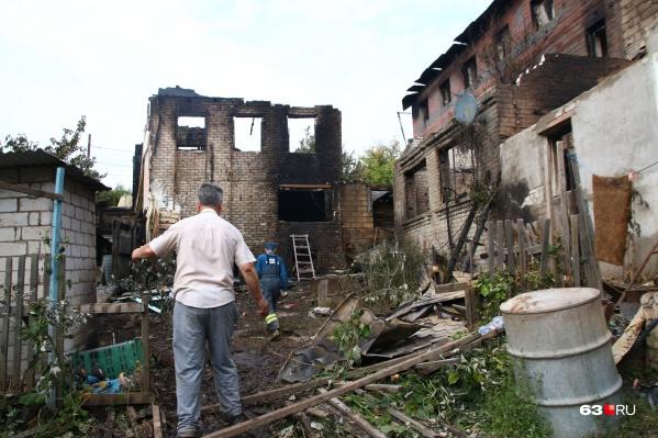 Наутро после пожара на улице Волгина страшное зрелище