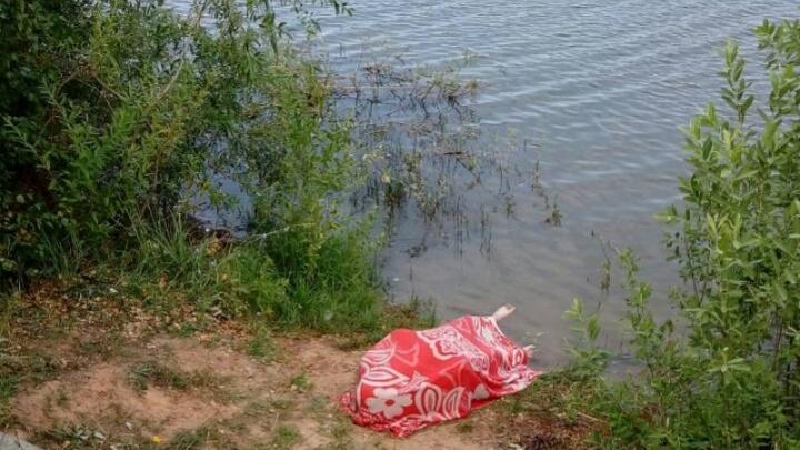 Решил искупаться: в Самарской области в озере утонул рыбак