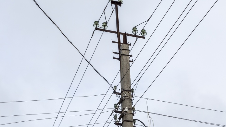 В Волгоградской области без электричества из-за снегопада остались 24 посёлка
