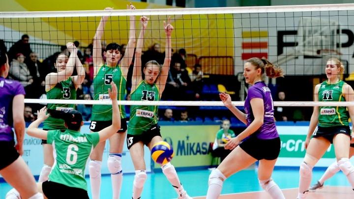 «Уралочка» одержала важную победу в заключительном туре Суперлиги