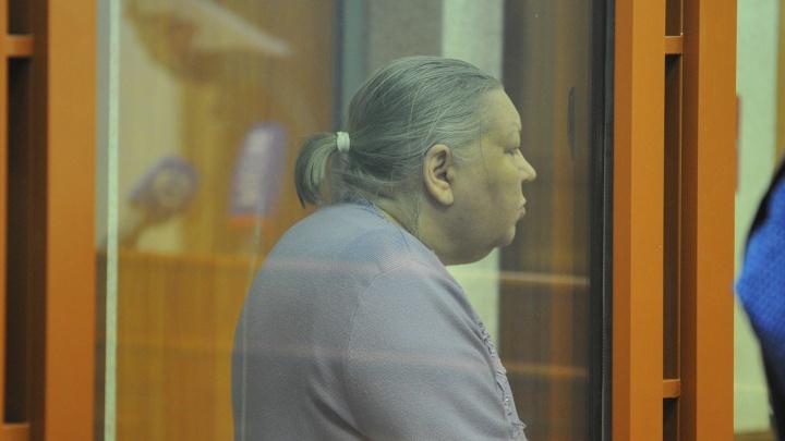 Бабку-коллектора и ее сына отправили в колонию за убийство почтальона в Екатеринбурге