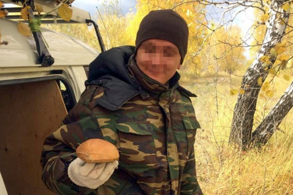 Андрей редко выбирался на природу, но любил собирать грибы