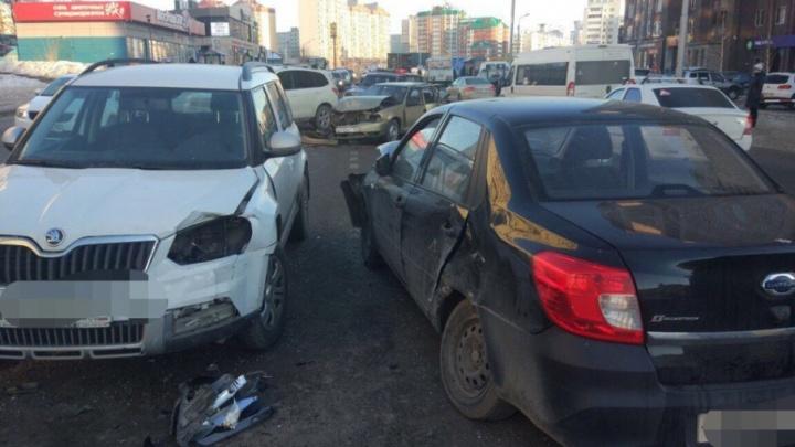 В массовом ДТП в Уфе пострадали двое водителей