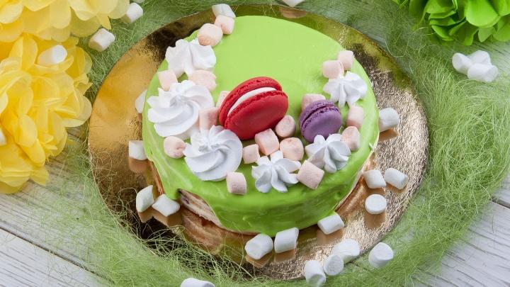 Сладкие подарки к 8 Марта: названы три идеальных торта для праздника