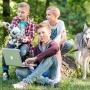 Пока одни дети играют в компьютерные игры, другие создают их сами: чем занять ребенка летом в городе
