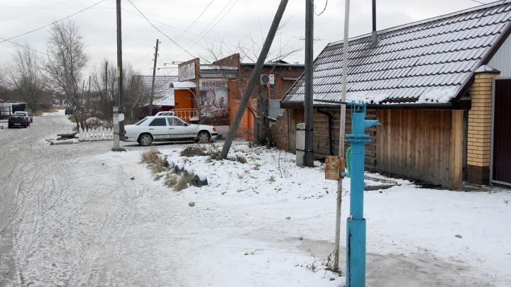 В Омске ищут водителя, который сбил девочку, обматерил её и уехал
