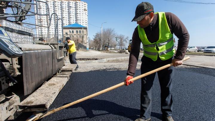 Асфальт в 23 дворах Дзержинского района отремонтируют за 60 миллионов рублей