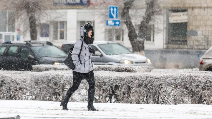 Зимняя сказка нам пока только снится: смотрим фотографии Волгограда после утренних безумств погоды