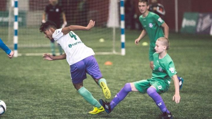 Воспитанники российских детских домов проведут неделю в Футбольной школе Леонида Слуцкого