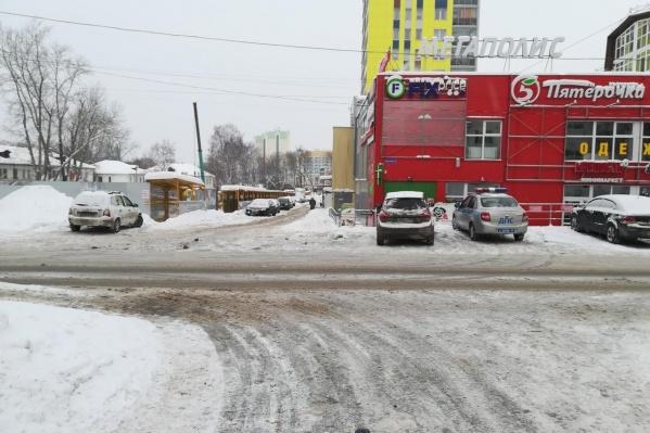 ДТП произошло рядом с ТЦ «Мегаполис»