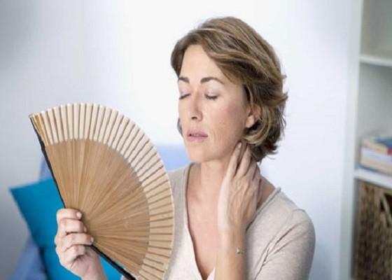 Врачи-специалисты рассказали о новой японской технологии, которая позволяет отложить наступление менопаузы