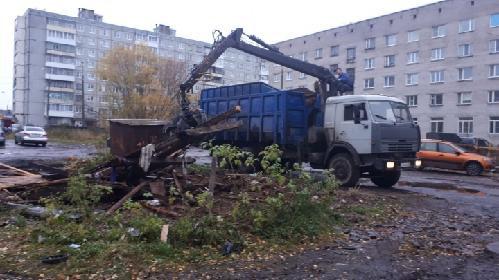 Ветшают и гниют: по каким адресам в Архангельске демонтируют незаконные гаражи