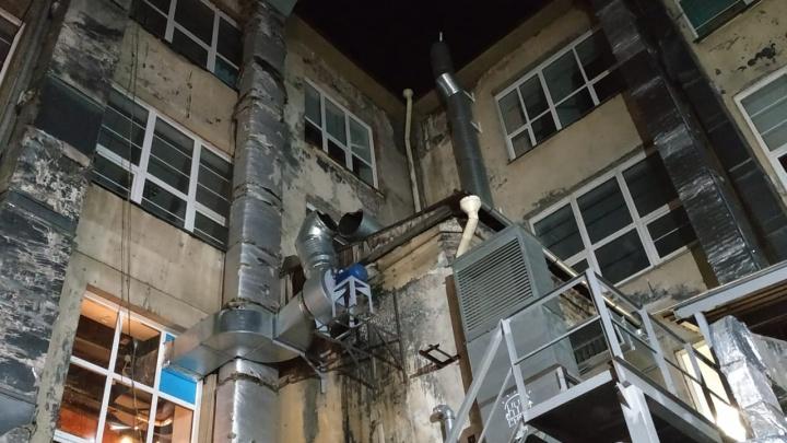 В Новосибирске из ресторана «Горячий цех» эвакуировали 100 человек