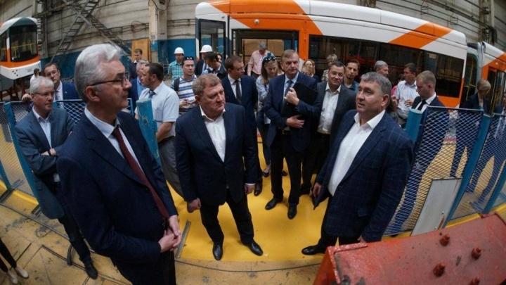 На Уралтрансмаше показали новый трамвай, который выпустят на улицы в сентябре