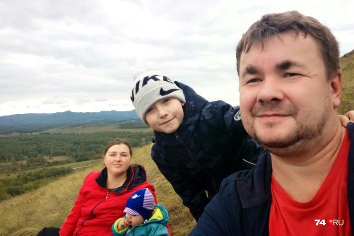 Водитель Granta Денис Шафигуллин с семьёй