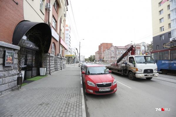 Одна из главных проблем заведений в центре города — отсутствие парковок