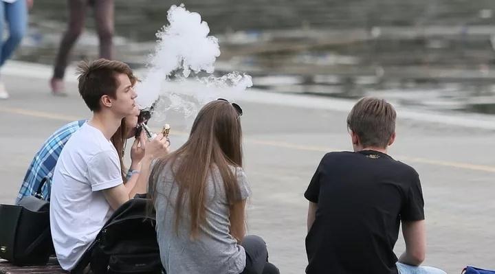 Прокуратура и депутаты Архангельской области оставили подростков-вейперов без пара