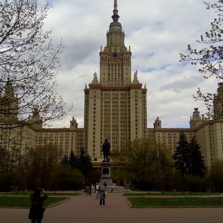 Сын нашей читательницы пошел на первый курс магистратуры МГУ. На бюджет. Поздравляем!