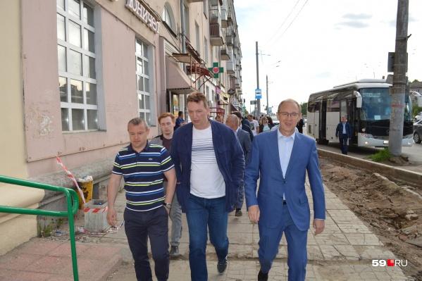 Мэр с работниками МКУ «Благоустройство» и подрядчиками вышел на проверку