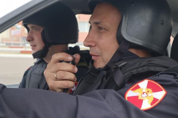 Росгвардейцы оперативно задержали подозреваемого в краже