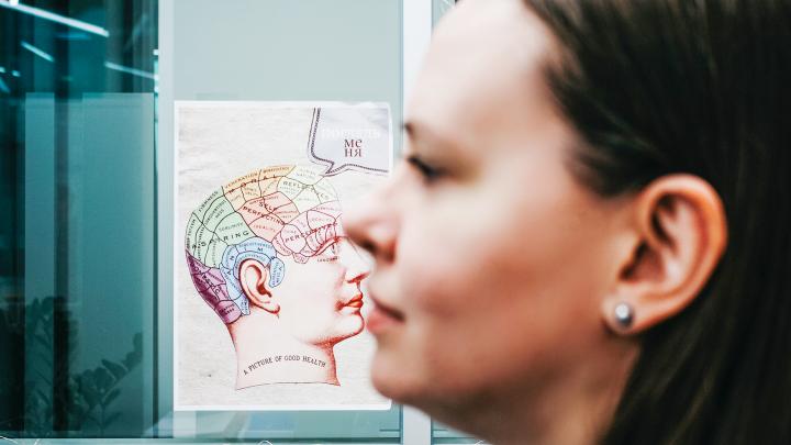 Дурацкие песни заедают в голове и еще 5 признаков того, что мозг манипулирует вами