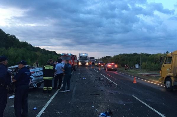 В Новоаннинском районе расследуют жуткую аварию, унесшую жизни пяти человек