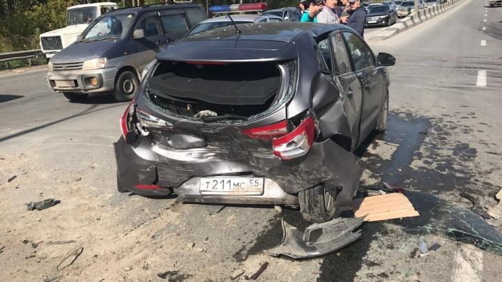 Водитель «Хонды» устроил массовую аварию на Бердском шоссе