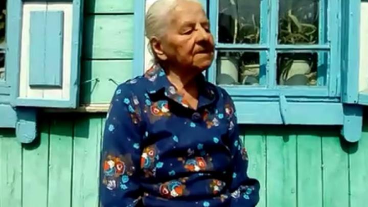 В Башкирии 90-летняя бабушка записала и выложила в соцсети стих о войне