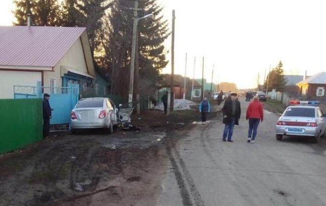 В Башкирии водитель «Гранты» сбил женщину, которая садилась в машину