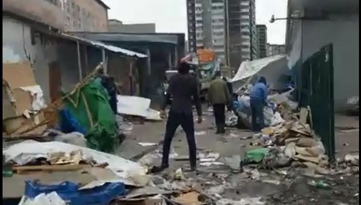 С ОМОНом и полицией: у «Таганского ряда» сносят ряд лотков, растянувшийся на 157 метров