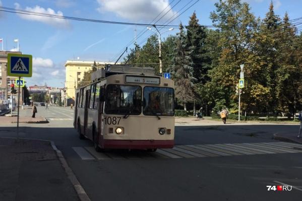 Во время концерта троллейбус №5 будет ходить по проспекту Ленина через площадь Революции