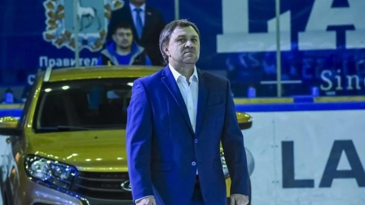 Хоккейному клубу «Лада» на время подыскали главного тренера
