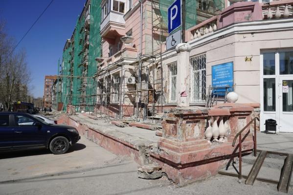 Рабочие снесли её во время капитального ремонта здания