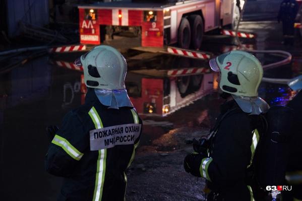 Пожар тушили 61 человек и 18 единиц основной пожарной техники