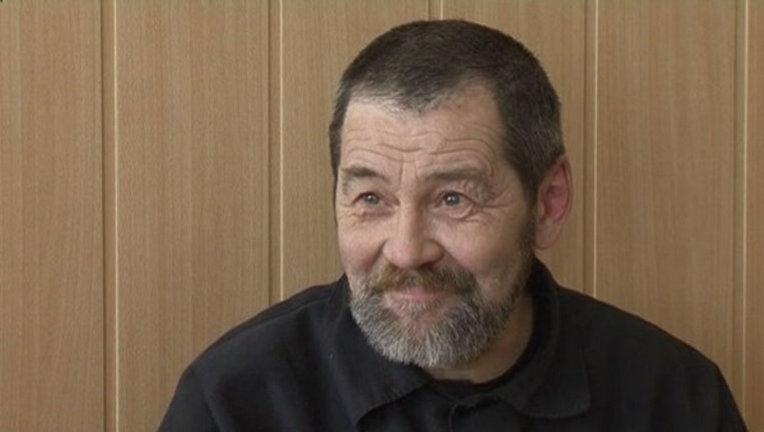 Активист отбывает наказании в ИК-21 в посёлке Икса Плесецкого района. В 2014 году его осудили на 4,5 года по статье о применении насилия к представителю власти во время акции «Стратегия-31» на Триумфальной площади