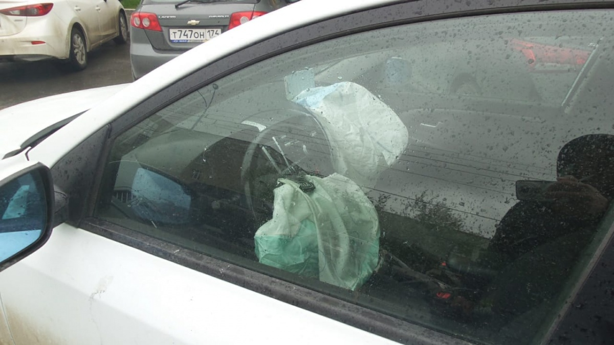 У водителя сработала подушка безопасности