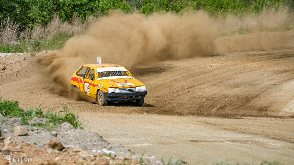 Автомобили бились и переворачивались:в Березовском прошел этап чемпионата по автокроссу (фото)