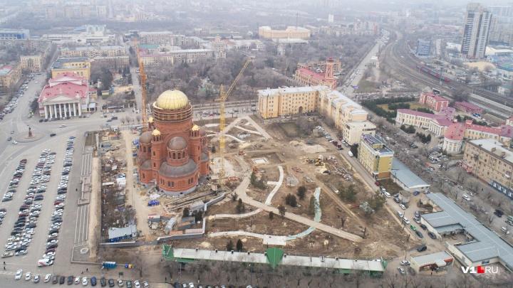 «Видны контуры будущего парка»: Александро-Невский собор со сквером сняли перед Новым годом с высоты