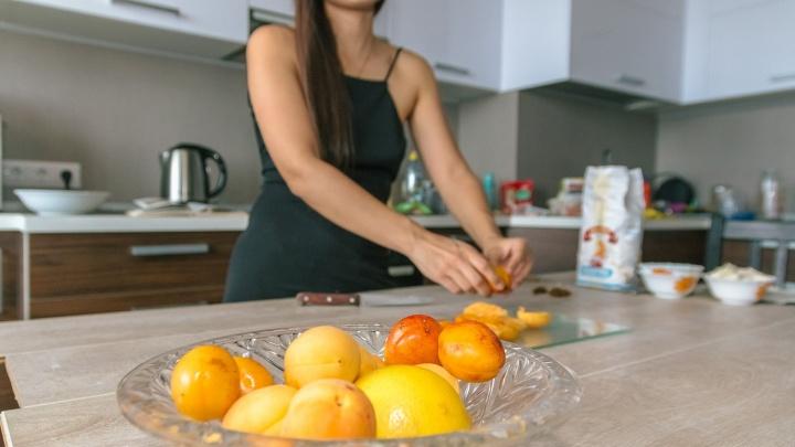 Не плюй в тарелку! Какие фрукты можно и нужно есть с косточками