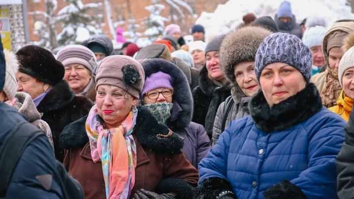 В Самарской области решили сохранить выплаты работающим ветеранам труда