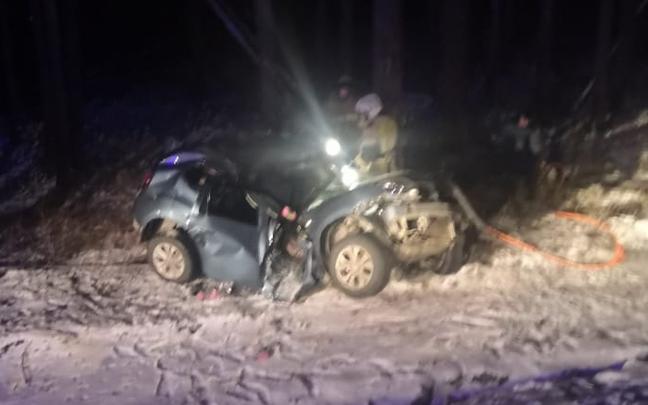 На трассе Челябинск —Екатеринбург в ДТП погибла семья из Ханты-Мансийска