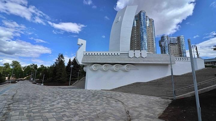 Недостатки реконструированной набережной у «Ладьи» обещают устранить до 1 октября