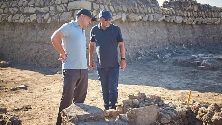Работников — на четырехдневку, сам — в Древнюю Грецию: Олег Дерипаска рассказал, как отдыхает