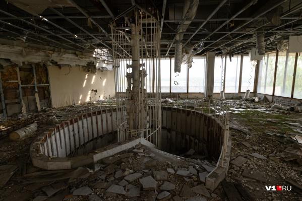 Остатки скульптурной работы Петра Чаплыгина на втором этаже