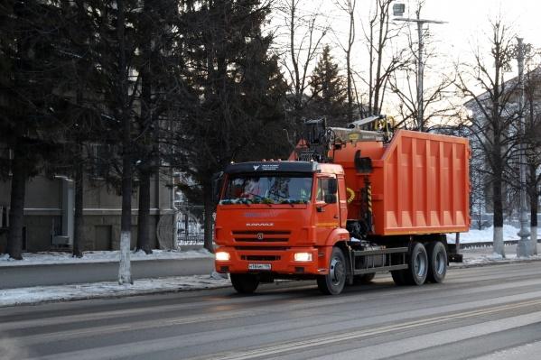 С 1 января в Кургане для транспортировки мусора выведут дополнительную технику
