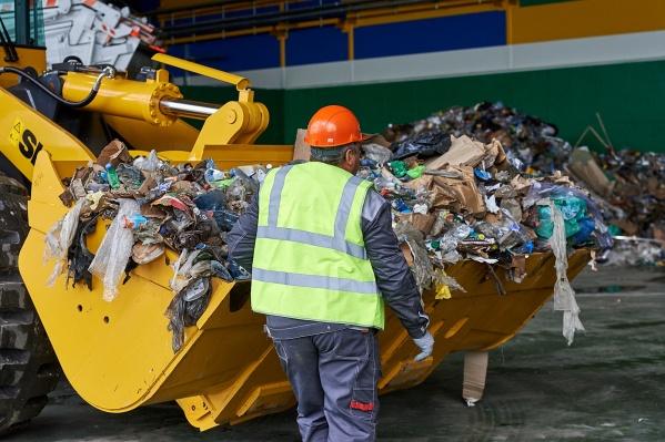Тело мужчины обнаружил сотрудник, просматривающий мусор перед сортировкой