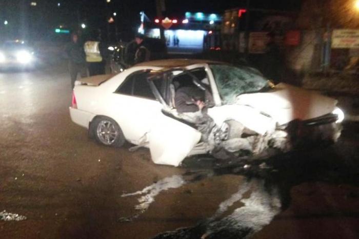 Врачи увезли в больницу водителя и двух его пассажиров